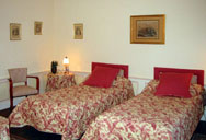 The Alley's bedroom, Bed and Breakfasts in Vend�e